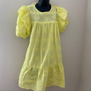 Yellow dress, eyelet